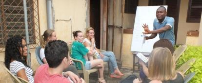 Volunteers receive a language lesson as an add on to their project